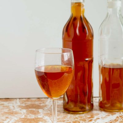 Homemade Currant Wine